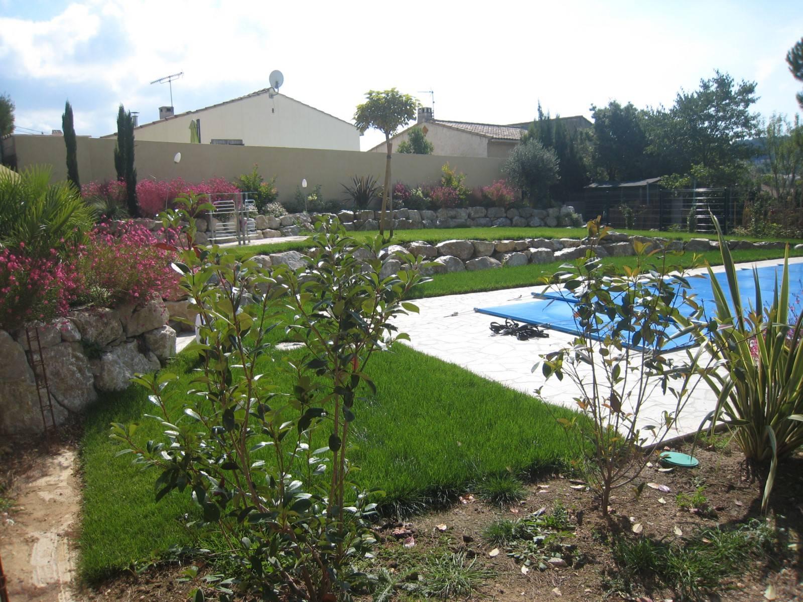 amnagement dun jardin autour dune piscine velaux